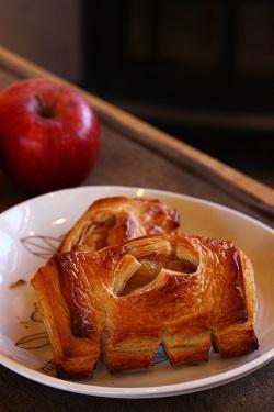 今の時期だからこそ紅玉りんごパイ♪