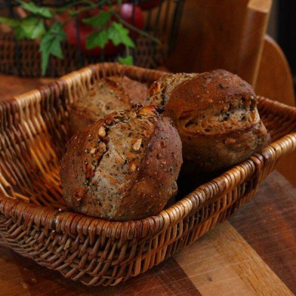 画像1: いちじくくるみパン (1)